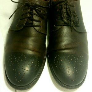 EUC Dark brown Oxford w/pattern at toe(#780)
